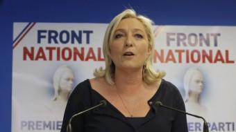 Marine Le Pen analitzant els resultats de les eleccions europees a França CHRISTIAN HARTMANN / REUTERS