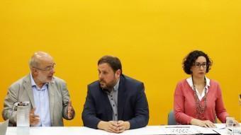 Terricabras, Junqueras i Rovira ahir durant la reunió de la direcció en què es van analitzar els resultats ANDREU PUIG