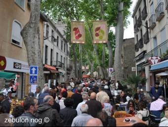 Els carrers de Ceret durant la festa.  Zebulon Nog-Julien Noguera.