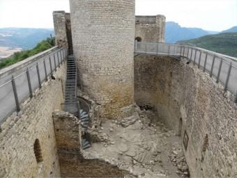 El castell TÉ PENDENT LA REHABILITACIÓ DE LES TRES PLANTES INTERIORS. EL PROJECTE ES FARÀ ARA DIPUTACIÓ LLEIDA