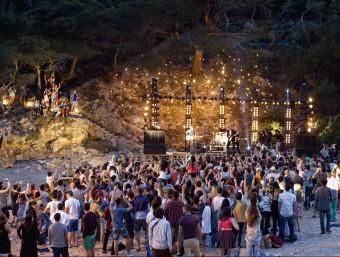 La gravació de l'anunci es va fer a principis de maig a Cala Pola de Tossa de Mar (Selva). ESTRELLA DAMM