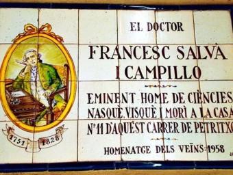 Placa d'homenatge a la casa on va viure Francesc Salvà, al carrer de Petritxol núm. 11.  ARXIU