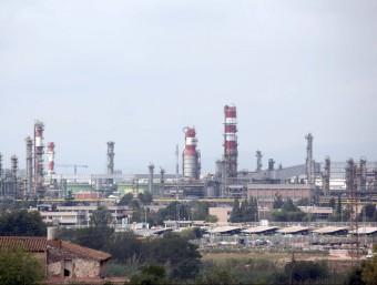 La petroquímica tarragonina és el 50% del sector al país i ocupa fins a 30.000 persones.  ARXIU