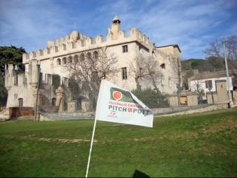 Castell de Godmar a Badalona té un camp de pitch putt.  MONUMENTA