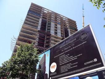 A Barcelona els promotors han tornat a construir i els experts avancen algun repunt de preus.  JUANMA RAMOS