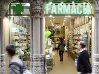 Les farmàcies són dels comerços més visitats dels barris.  ARXIU / ORIOL DURAN
