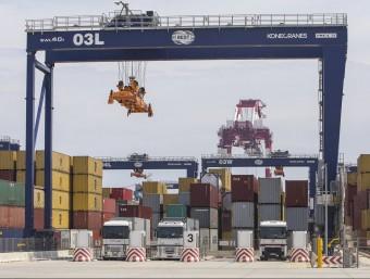 Terminal BEST del port de Barcelona.  ARXIU/ALBERT SALAMÉ