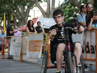 Una de les activitats que es va organitzar ahir a la Rambla de Figueres. ACN