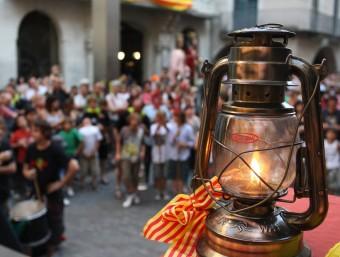 Rebuda de la Flama del Canigó a la plaça del Vi de Girona LLUÍS SERRAT
