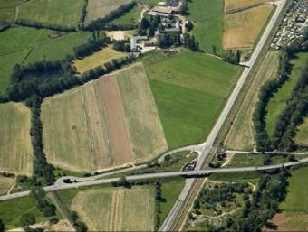 Vista aèria actual de les RN20 i RD68 al nivell del Pont de Llívia. Els giratoris es situaran a baix i a l'esquerra de la foto. foto: DREAL Ll-R.