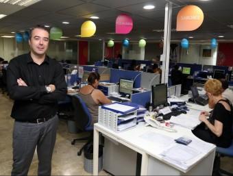 Santiago Albarracín, director general de Duracomm, a les oficines centrals de l'empresa a L'Hospitalet de Llobregat.  JUANMA RAMOS