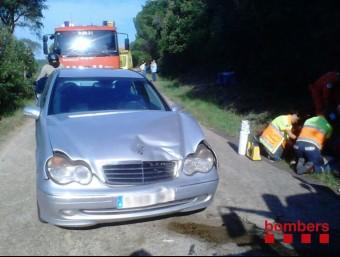 La víctima anava al volant d'un Mercedes. Va col·lidir amb un tractor al quilòmetre 34 de la C-63 BOMBERS DE LA GENERALITAT