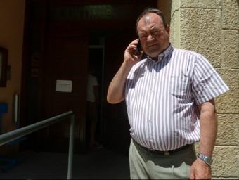 L'alcalde d'Alpicat, Pau Cabré, no donava a l'abast atenent els mitjans de comunicació i al carrer el sisme era el centre de totes les converses E.P