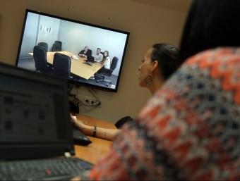 Les reunions per videoconferència és una de les solucions per estalviar temps.  QUIM PUIG