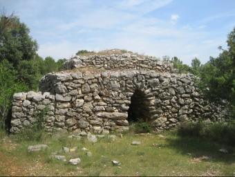 Una barraca de pedra seca de les que es poden veure al terme de Llers E. C