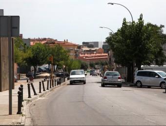La carretera que uneix Figueres amb Llers, a l'altura del barri de Sant Joan , on viu la comunitat gitana. JOAN SABATER