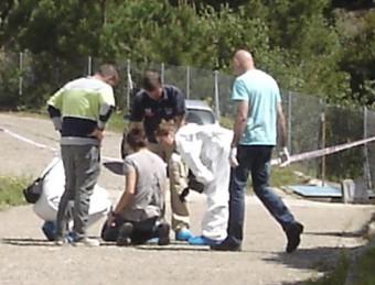 Els Mossos a l'escena del crims de Sant Feliu de Buixalleu TURA SOLER