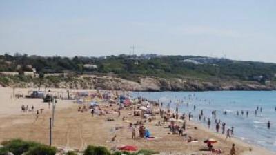 Vista de la platja del Far de Sant Cristòfol de Vilanova i la Geltrú LAURA MARÍN / ARXIU