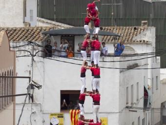 El 3 de 9 de la Colla Joves Xiquets de Valls, que van tenir una gran actuació a La Bisbal del Penedès JOSÉ CARLOS LEÓN