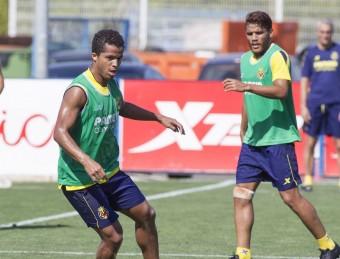Giovani i Jonathan dos Santos, en un entrenament del Vila-real d'aquesta setmana LEVANTE DE CASTELLÓ