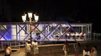 El Vol gastronòmic instal·lat al costat del Pont de Pedre de Girona. RIBOT/ICONNA