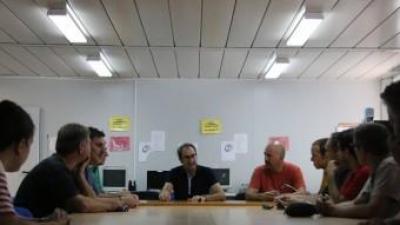 Reunió d etreball a Muro del Comtat. B. VIDAL
