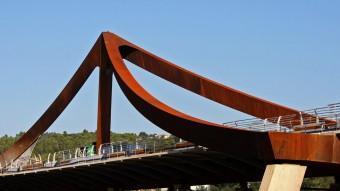 El pont sobre el riu Ter , les obres del qual ja estan molt avançades. LLUÍS SERRAT