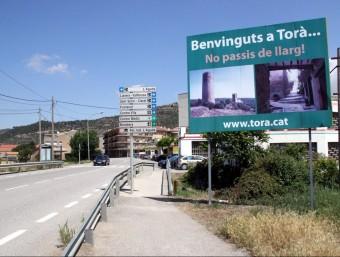 Un rètol dóna la benvinguda a Torà, on es farà una consulta per decidir si abandonen la Segarra i van al Solsonès ACN
