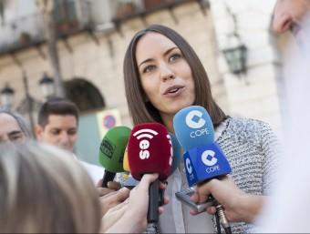 Diana Morant atén els mitjans de comunicació valencians. EL PUNT AVUI