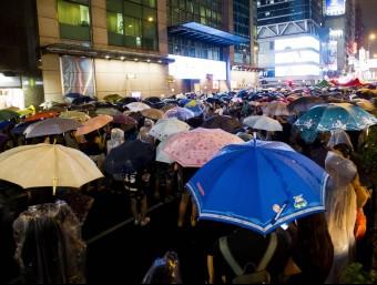 Milers d'estudiants de Hong Kong es revolten contra els plans de reforma electoral.  AFP