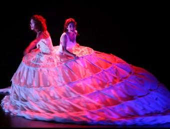 Queralt Albinyana i Anna Herebia , en un assaig. LLADÓ
