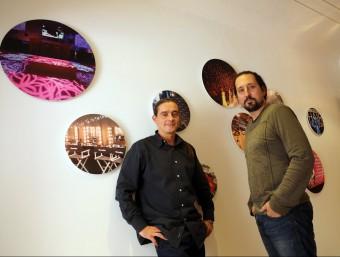 Cristian Calvo i Àlex De Mena, fundadors de l'empresa, a les oficines de Sinergia Events.  QUIM PUIG