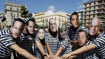 Membres de la Plataforma durant una acció reivindicativa a València. EL PUNT AVUI