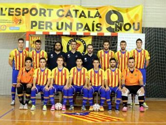 Els jugadors de la selecció, ahir a Cadaqués. FCFS