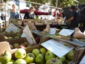 La parada de la Saó al mercat d'Olot, dilluns passat. R. E
