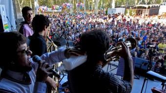 L'espai de la Copa per Fires de Girona ha batut tots els rècords amb més participació de dia i gentada de nit amb els concerts més esperats LLUÍS SERRAT