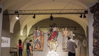 L'exposició 'La Girona de l'època moderna', just abans de ser inaugurada, ahir al migdia JORDI RIBOT / ICONNA