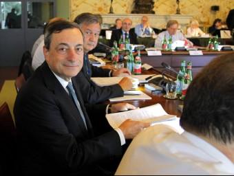 El BCE, liderat per Mario Draghi, comença representar el seu paper de supervisor únic.  EFE