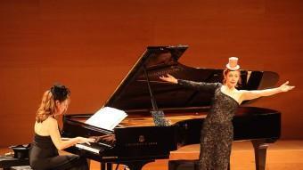 Patricia Petibon va actuar ahir a la nit a la sala de cambra de l'Auditori de Girona JOAN SABATER