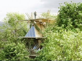 Hotel ideat pel col·lectiu de dissenyadors Penda i basat en mòduls fets de bambú que s'integren en els arbres.  ARXIU