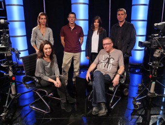 The English Hour Team, From top left: Nicole Millar, Neil Stokes, Roser Mas and Barney Griffiths; first row Marcela Topor, Matthew Tree. JUANMA RAMOS