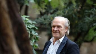 L'actor Lluis Homar. ahir al migdia als jardins del Palau Robert, a Barcelona. QUIM PUIG