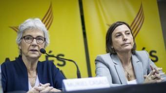 Les presidentes d'Òmnium, Muriel Casals, i de l'ANC, Carme Forcadell, en una imatge del 30 d'octubre ALBERT SALAMÉ