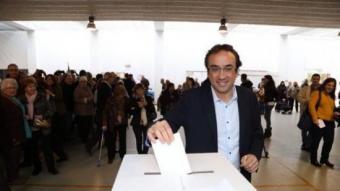 Josep Rull emeten el seu vot a Terrassa ANDREU PUIG