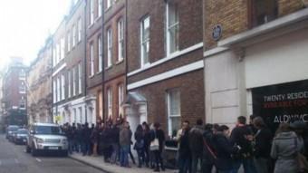 Una llarga cua que ocupa 31 edificis, per votar a Londres QUIM ARANDA
