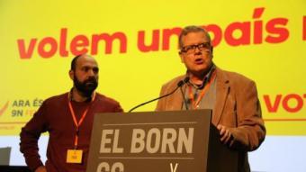 El vicepresident de l'ANC, Jaume Marfany, i el membre de la junta directiva d'Òmnium Marcel Mauri valorant les dades de participació de les sis de la tarda ACN