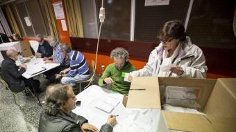 Diversos politòlegs asseguren que en un referèndum normal hi hauria molt marge per decantar indecisos cap a l'independentisme ALBERT SALAMÉ