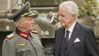 André Dussollier i Niels Arestrup són el governador militar alemany i el consol general suec al París del 1944 A CONTRACORRIENTE