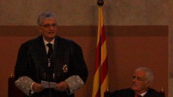 El fiscal general de l'Estat, Eduardo Torres-Dulce, amb el fiscal superior de Catalunya, José María Romero de Tejada (a la dreta) en l'acte de nomenament del segon, al juliol de 2013. A l'esquerra, el president del TSJC, Miguel Ángel Gimeno ACN