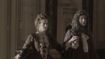 Vicenç Duran (Josep Julien) assaja una dansa amb la seva dona en una escena d'aquesta pel·lícula ACTEON